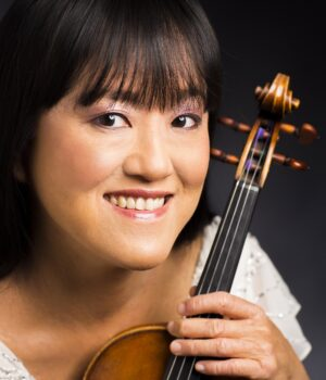 11:18:56 AM 8/6/12  Avalon String Quartet: Marie Wang, violin © Todd Rosenberg Photography 2012